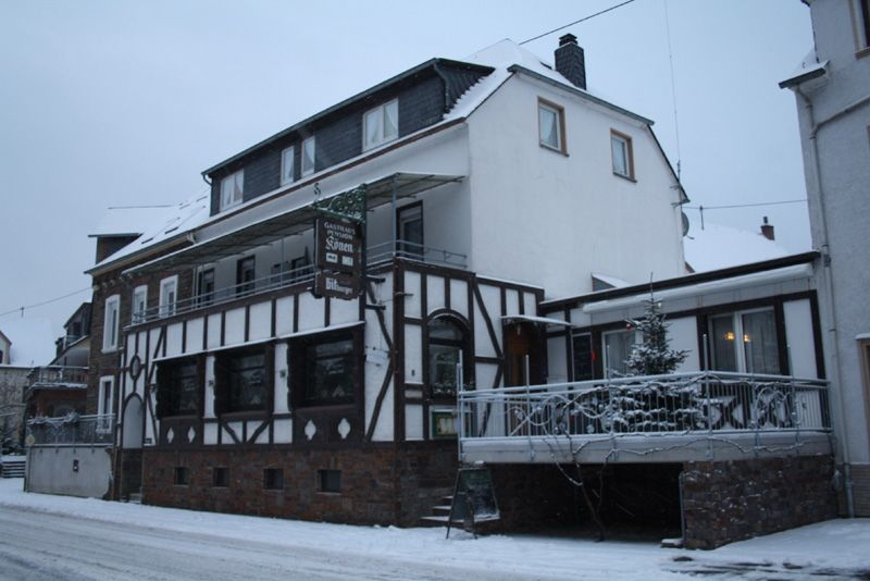 Gasthaus-Pension Könen direkt am Moselufer